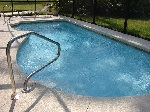swimming-pool-317449_640